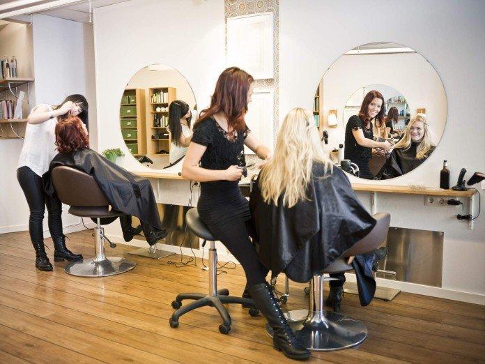 Hair u-dryzjera-po-angielsku-everyday-english situation